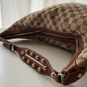 👜AUTHENTIC 👜 Gucci Hobo Purse with Studs